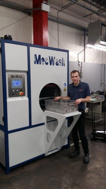 MecWash DUO 400 cleaning system